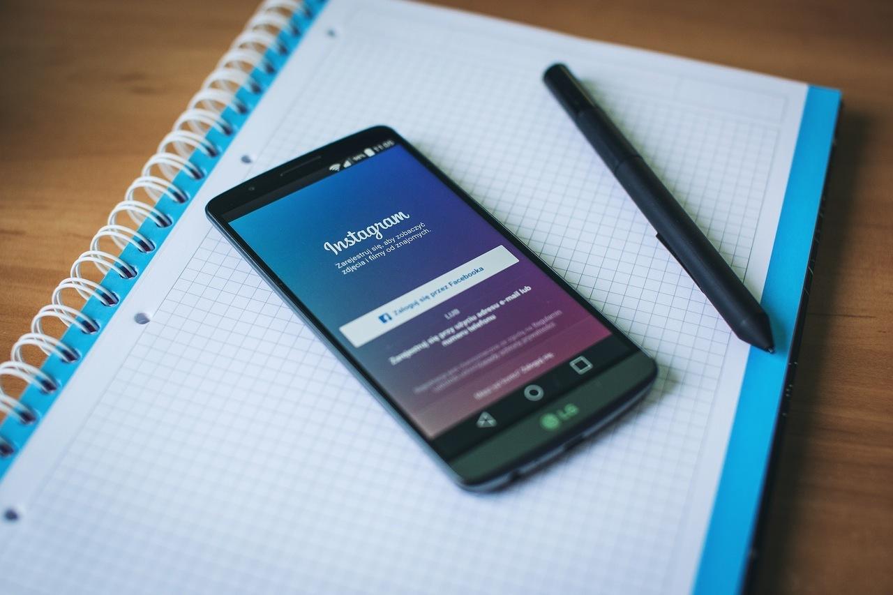 1_social-media